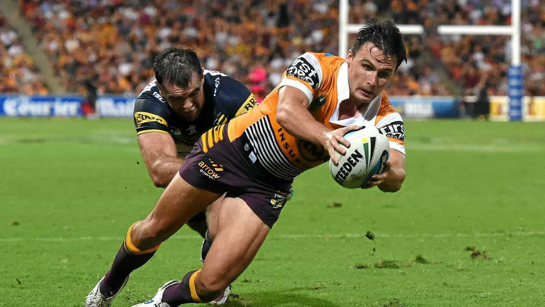 Former NRL and Super Rugby star signs with Wynnum Manly